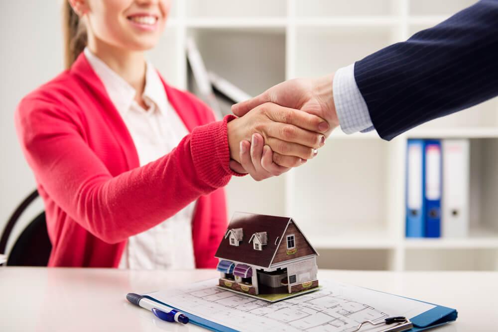 Como vender seu imóvel por uma imobiliária, quais as vantagens?