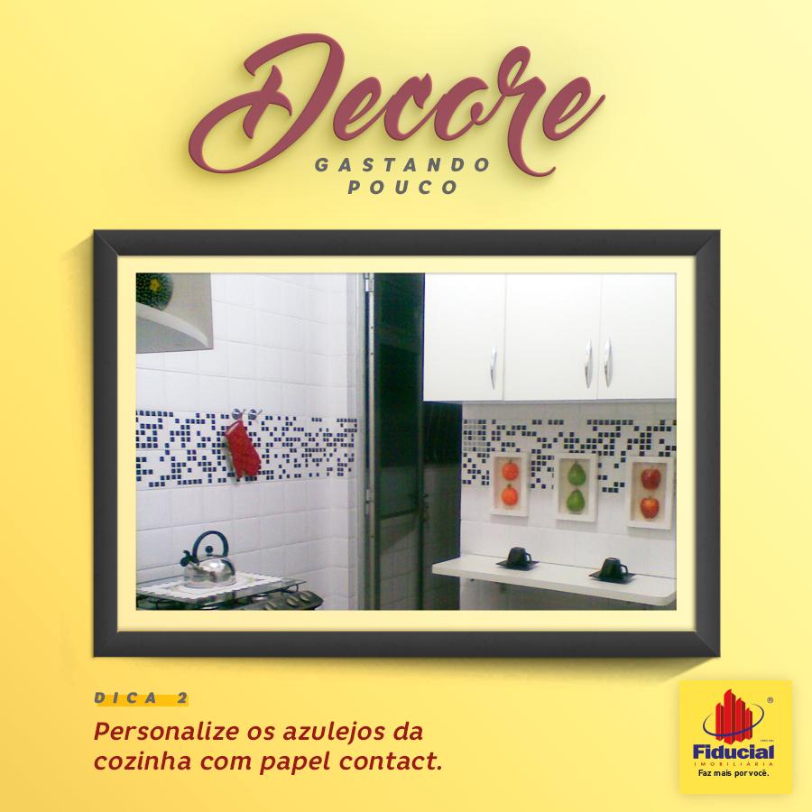 Dica de Decoração: Personalize os azulejos da cozinha com papel contact.